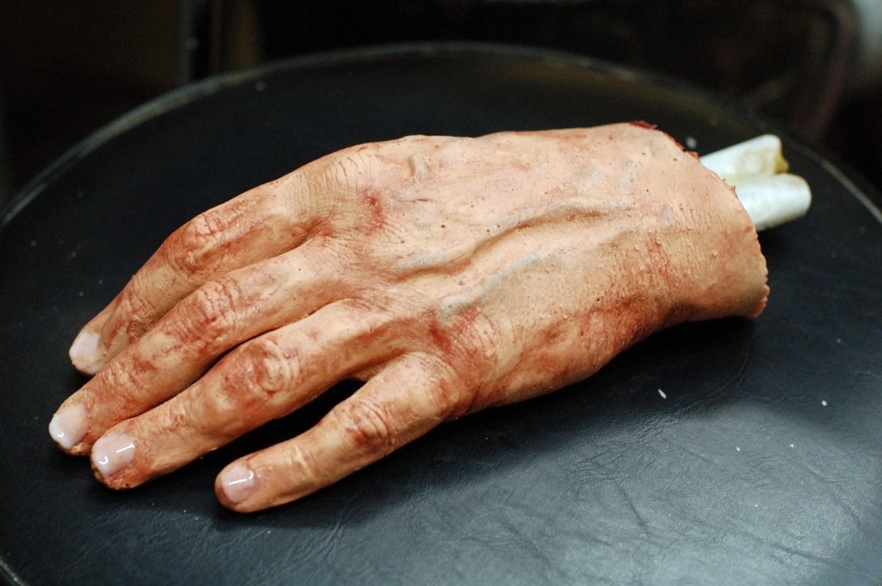 Titus hand