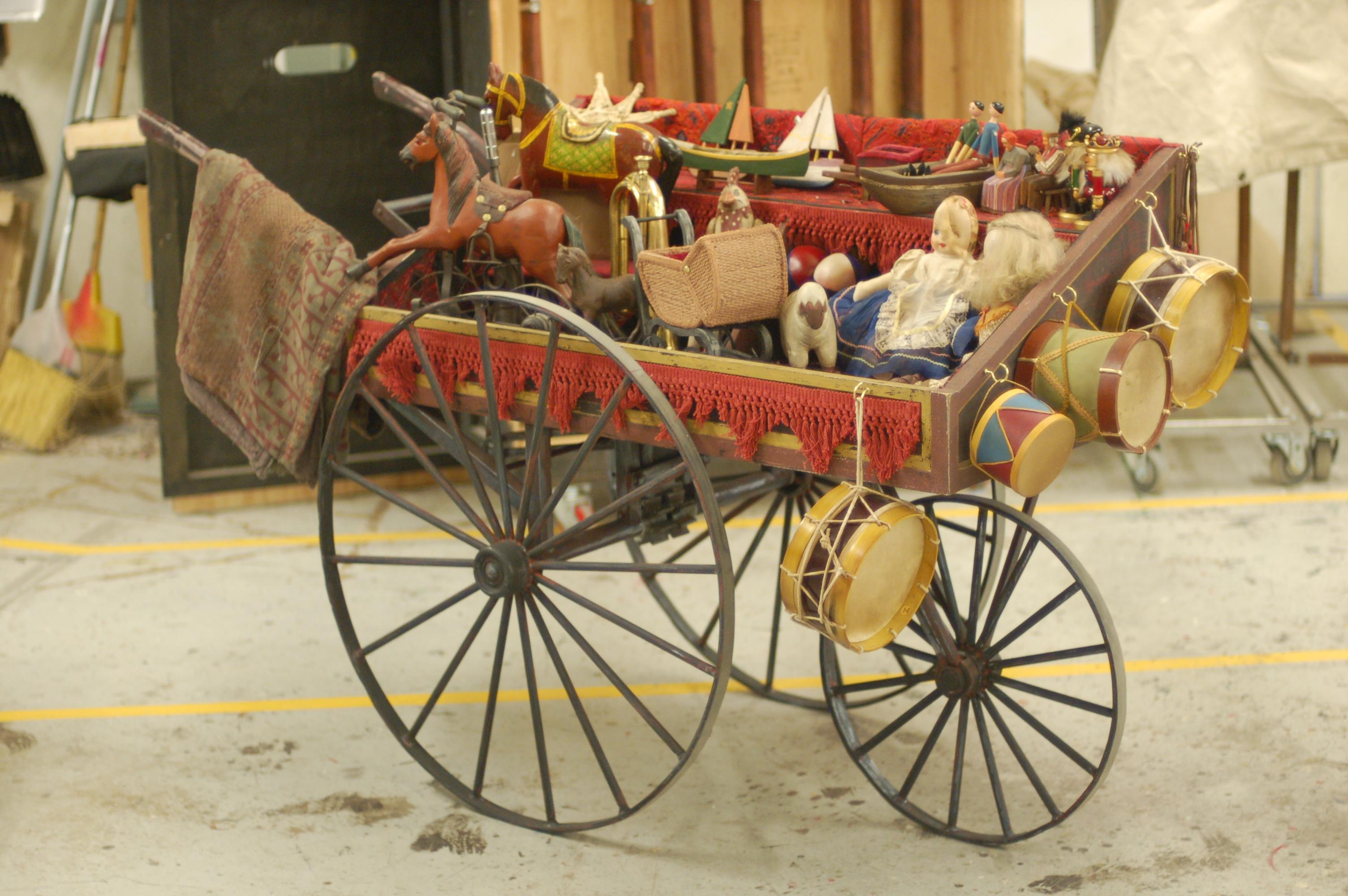 La Boheme Toy Cart